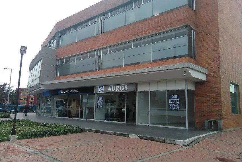 Local exterior arriendo Bogota vitrina-2