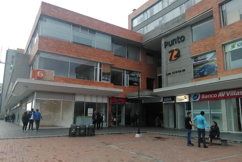Local exterior arriendo Bogota vitrina-4